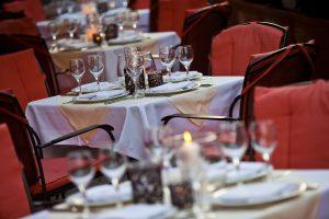 imperial-renaissance-hotel_dinner-schanigarten-1